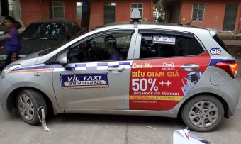 Dán decal xe taxi